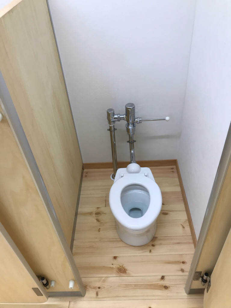 子ども用トイレ 小さくても機能は大人用と同じ!!