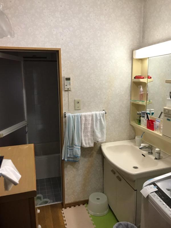 施工前 浴室ドア